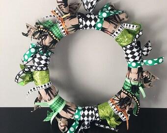 Halloween Ribbon Wreath // Halloween Decor // Front Door Decor