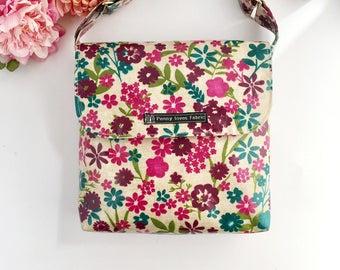 Floral purse, cotton bag, oilcloth purse, floral handbag, oilcloth bags, crossbody bag, holiday bag, fabric purses, vegan purse