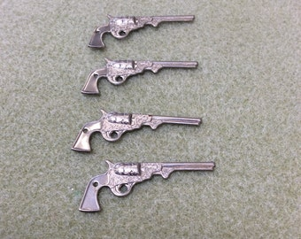 Vintage Metal Gun charms - 4 pieces - #753