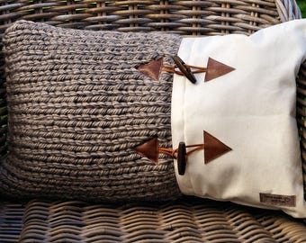 Nice rural (partly knitted) Cushion cover 18, 50 x 30 cm.