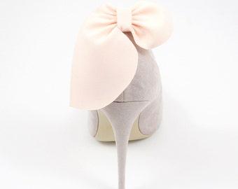 Light peach bows- shoe clips Manuu, wedding shoe clips, shoe accessories, women shoes, bridal shoes
