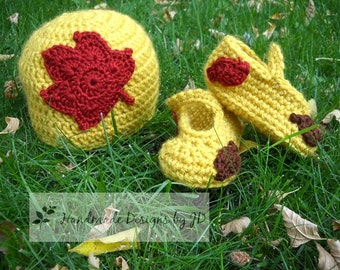 Baby Hat and Booties Set: Fall Leaves