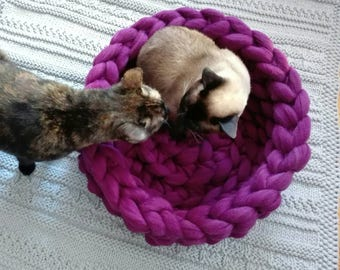 Cat bed, merino wool, Cat cave, 100% wool, Cat house, Cat furniture, Knitted pet bed, Pet accessories, Cat nest, Chunky wool cat bed
