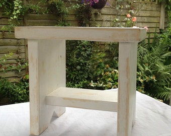 """Smal Vintage Style Wooden Stool (L 14"""" x W 10""""x H 13"""")"""