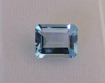 Fine blue rectangular stone / Pierre Semi Précieuse faceted / natural gemstone Blue Topaz
