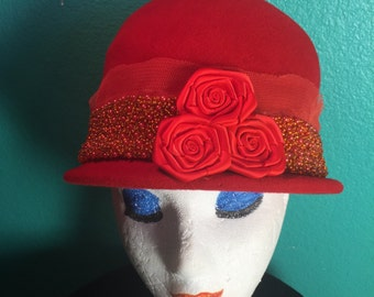 Vintage  Cloche style burnt orange womens hat velour Merrimac size 22 Made in USA       Union Made 35.00