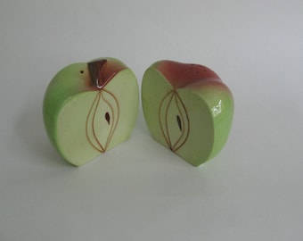 Salt & pepper set in the form of an Apple