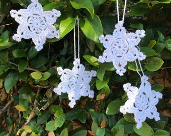 Snowflakes, Crochet Ornaments, Set of 4, Christmas snowflakes, holiday decorations