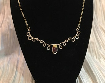 Gold loop necklace