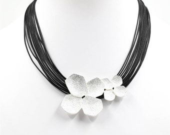 Funky Silver Flower Choker Necklace