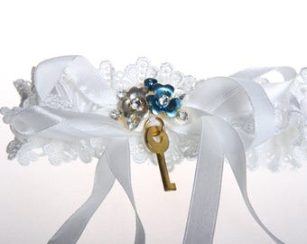 Ivory silk garter with double eyelet lace ruffle