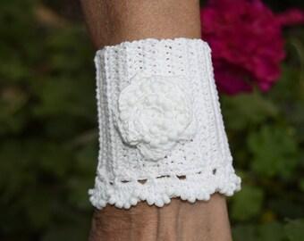 White Crochet Cuff, Beaded Cuff Bracelet, Crochet Jewelry, Crochet cuff, Rustic Wedding Jewelry