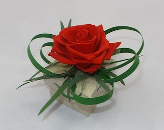 Red rose jewelry stabilized flower box