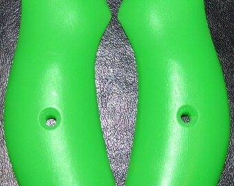H and R NEF neon green