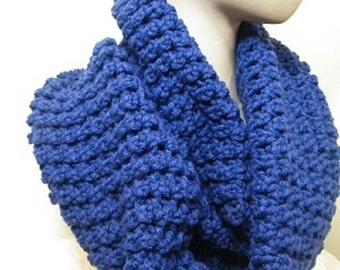 Chunky ladies Knit Infinity Scarf/crochet