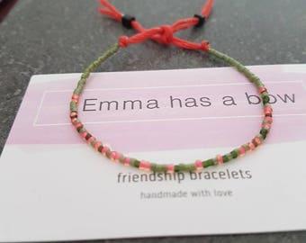 """Filigranes """"I carried a watermelon"""" Morsecode Freundschaftsbändchen in grün pink"""