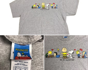 Charlie Brown Valentines Day Shirt Size (XL)