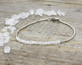Stone of Moon and silver beads bracelet / precious stones / gems