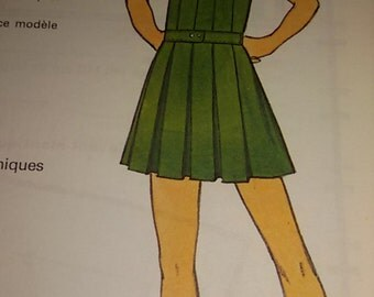Pattern for dress pleated girl 8 years /Vintage french 70 s