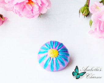 Brooch with flower daisy pink and light blue made with polymer clay