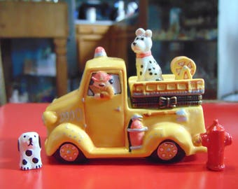 Fire Truck with Dalmation  and Fire hydrant as trinkets!