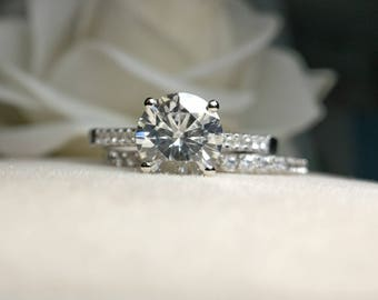 1 carat Forever Brilliant Moissanite Engagement ring set with natural diamonds in 18k white gold,Diamond Alternative engagement ring