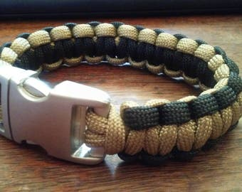 Paracord Bracelet with metal clasp