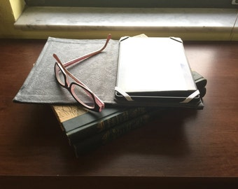 Tablet e-reader case bookcover