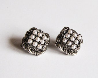 Clip earrings 1960s faux pearls rhinestones 60th