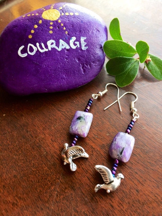 Chariote HEALING STONES with doves -- Genuine stones beaded together with glass beads and flying doves
