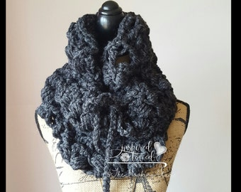 Chunky Lacey Cowl