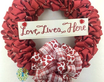 Red Burlap Wreath,Valentine's Day Wreath, Burlap Wreath, Door Wreath, Porch Wreath