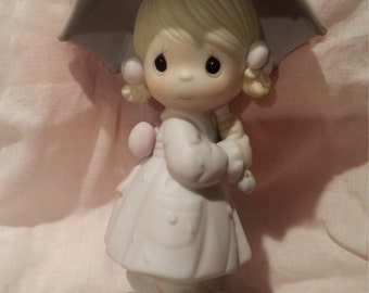Precious Moments April #110027 Girl with Umbrella 1987