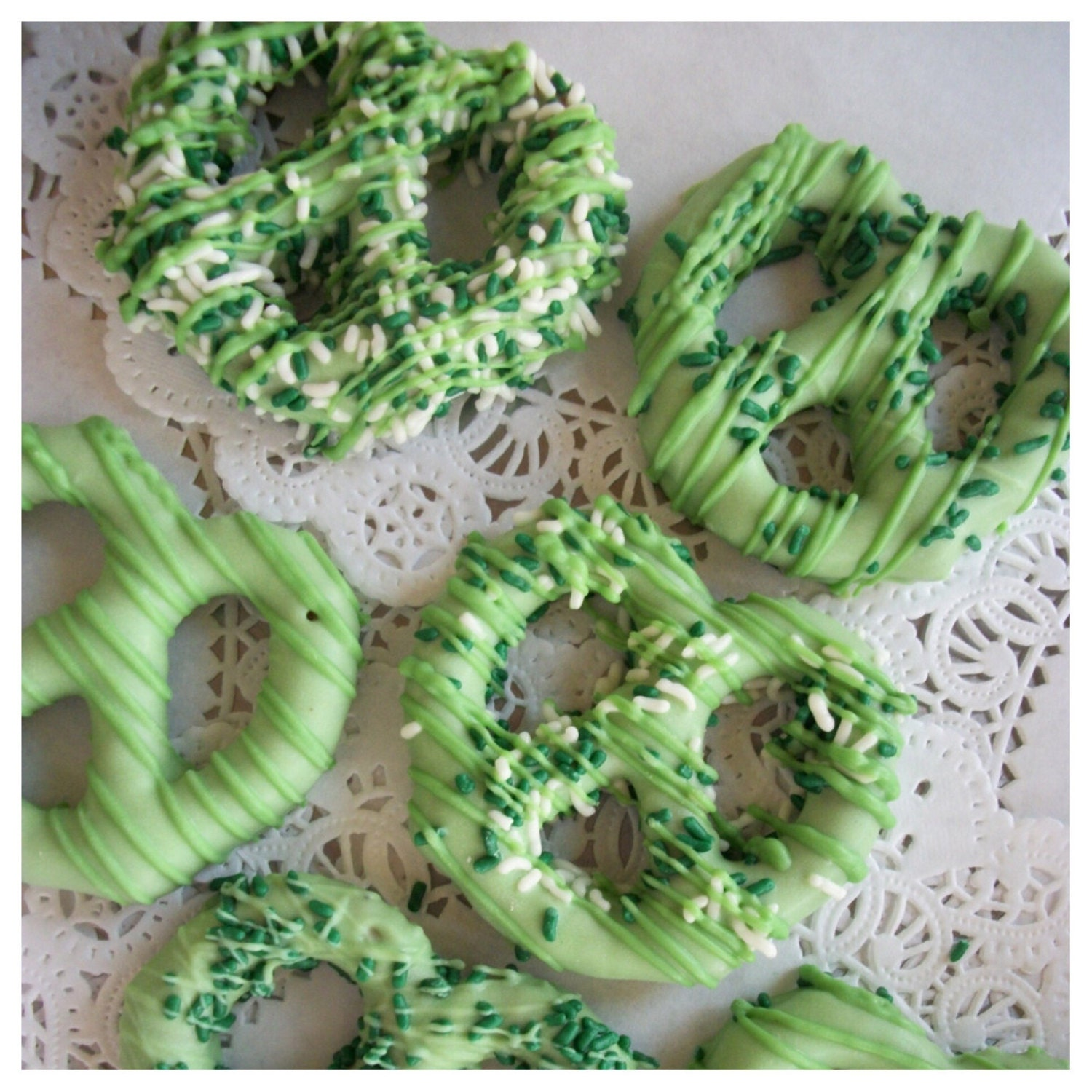 1 Dozen St  Patricks Chocolate Covered Pretzels Green Shamrock St Pattys Day