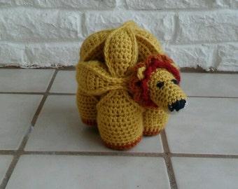 Lion puzzle ball