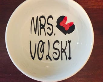 Mrs. Disney Ring Dish/Minnie Mouse Personalized Jewelry Dish/Bridal Shower/Engagement Gift