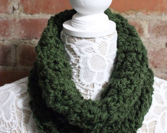 Textured Cowl Neck Scarf - Hunter Green