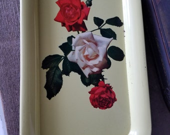 Set of 7 vintage trays
