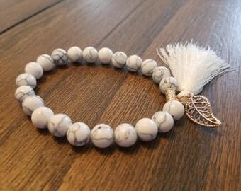 Pure white bracelet with fringe