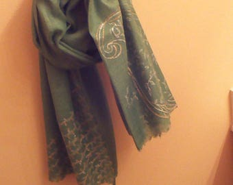 Green hand painted stole with silver gold mango motifs/stripes (At the 2 ends)