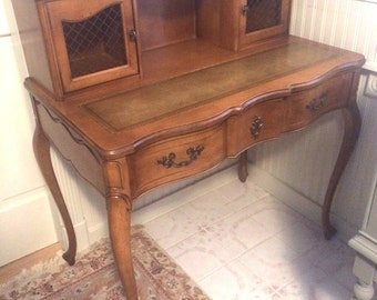 French Provincial Desk / Excellent Cherry Wood with inlaid leather writing surface