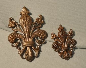 Vintage Ornate French Fleur de Lis Thick Brass Die Casting Made from Antique Tooling 1 Piece 2 Sizes 82J 84J