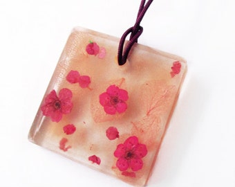 Sakura square flowery resin - jewel pendant necklace nature in resin and dried flowers