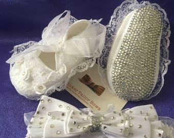 ON SALE..Pre- walker crib shoes & matching headband blinged