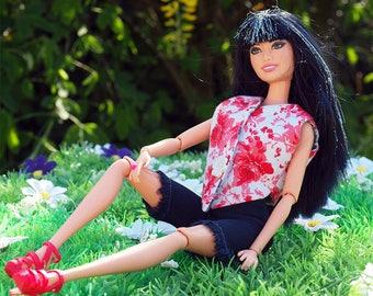 Doll Mattel Lara and her craft wardrobe
