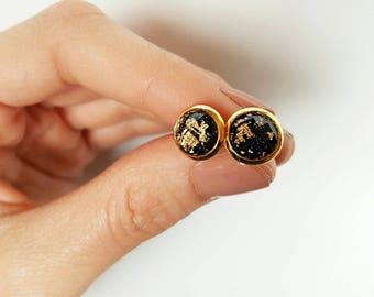 Black Gold Leaf 8mm Earrings - Black Earrings - Gold leaf - Gold Earrings- Stud Earrings- Bridesmaid Gift- Bridesmaid Earrings《the Jess》