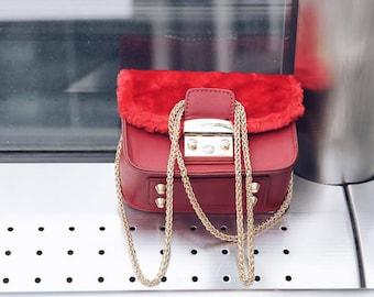 Bag shoulder strap, with fur