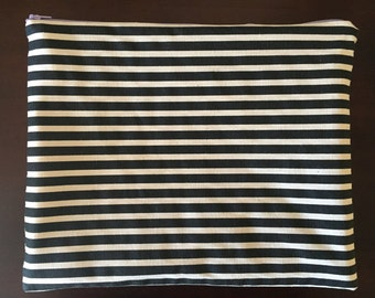 Black & White Striped Zipper Pouch