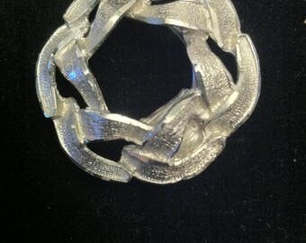 Twisted wreath Design Vintage Silver Scarf Clip