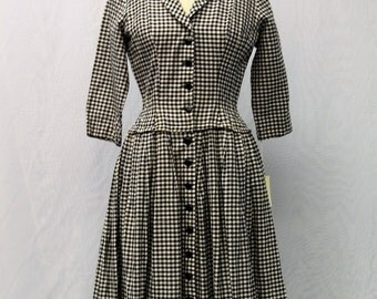1950's Black and White Checked Dress with Collar and Buttons